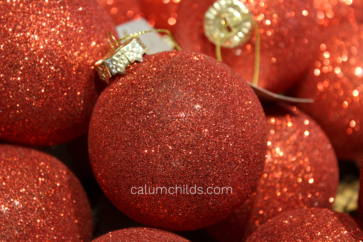 A bauble covered in red glitter.